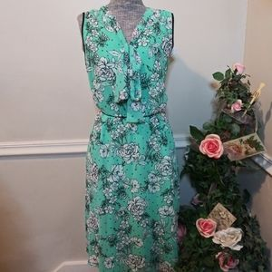 NWT Elle Green & White Floral Tie Bow Neck Dress